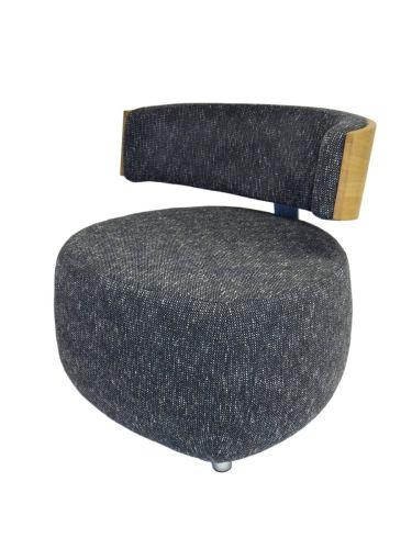 Designer Sessel BOOM mit Massivholzrücken Eiche natur Stoff