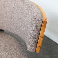 Designer Sessel BOOM mit Massivholzrücken Kernbuche Stoff