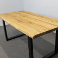 Baumkanten Esstisch aus massiver Wildeiche 200 x 100 cm