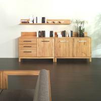 Moderne Massivholzkommode mit Türen LINO