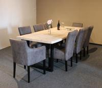 Baumkantentisch White Wash 240x100 mit 8 Stühlen
